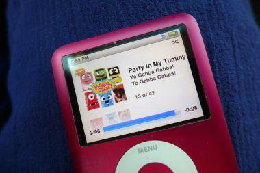 06.04.13   party in my tummy