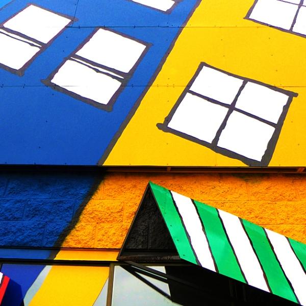 07.10.13 | a happy building