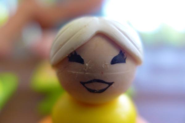 03.11.18   happy plastic lady