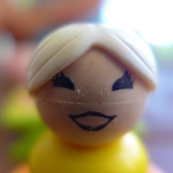 03.11.18 | happy plastic lady