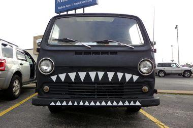 11.18.13 | monster van