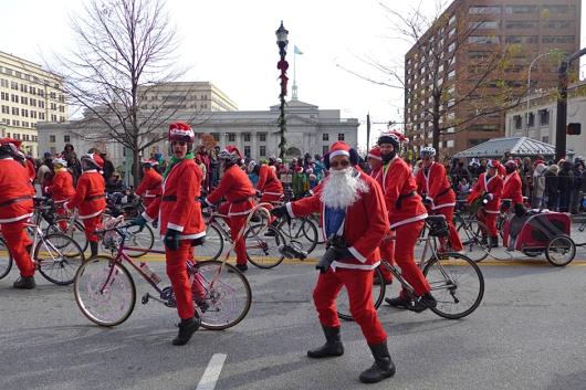 12.01.13 | bicycling santas