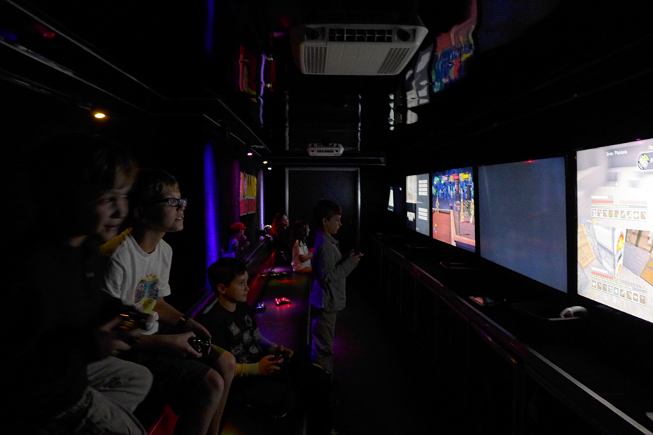 10.27.14 | gaming truck