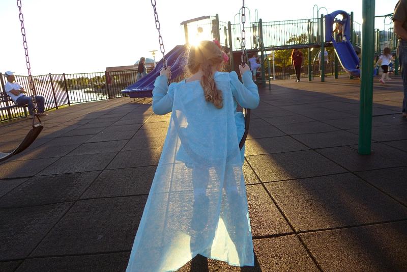 11.04.15 | elsa on the swing