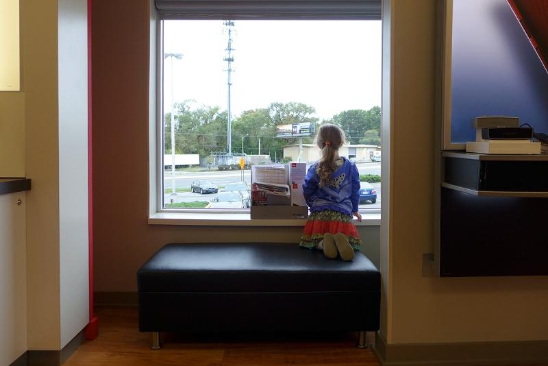 10.07.15 | verizon store window seat