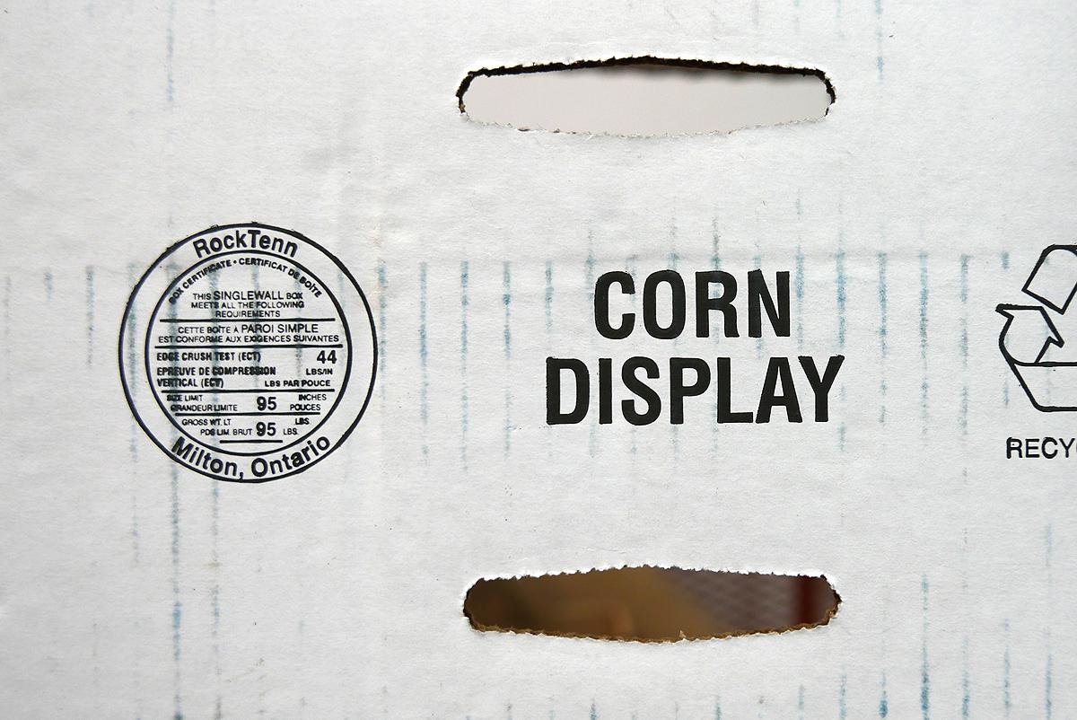05.31.16 | corn displa